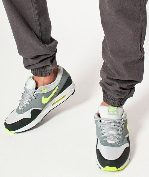 Mass-Base Sneakers Fit Graphite