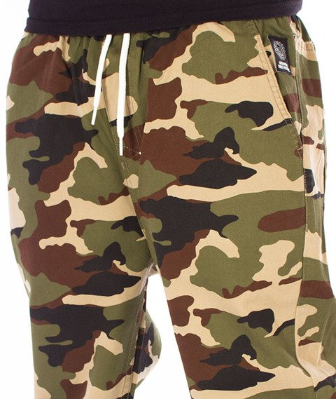 Mass-Signature Sneakers Fit Jogger Camo