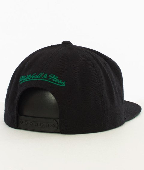 Mitchell & Ness-Boston Celtics Wool Solid Snapback NZ979 Black