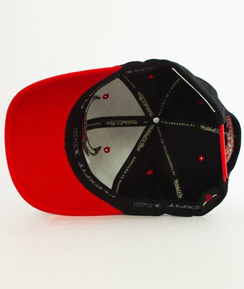 Mitchell & Ness-Chicago Bulls Team Logo 2-Tone Snapback INTL151