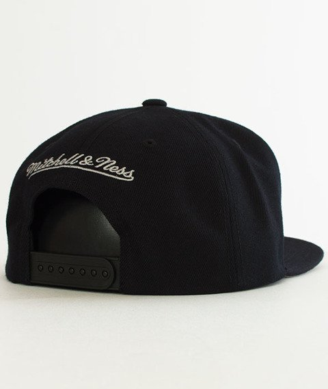 Mitchell & Ness-Silicon Grass BH72HT San Antonio Spurs Snapback